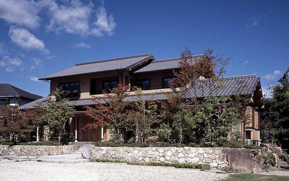 日本の伝統と風格を受け継ぐ、和の住まい。【茨城県・F様邸】